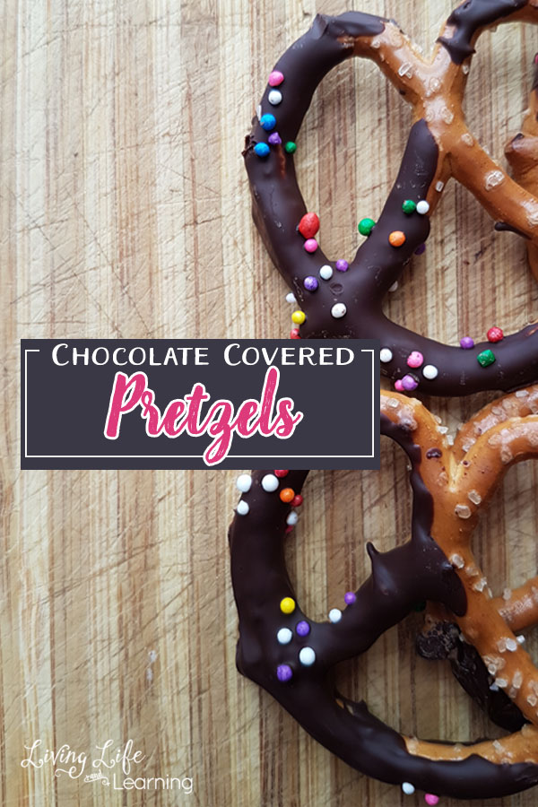 Come on to see how chocolate-covered pretzels can be made in a jiffy. This is the perfect easy chocolate covered pretzel treat ever!