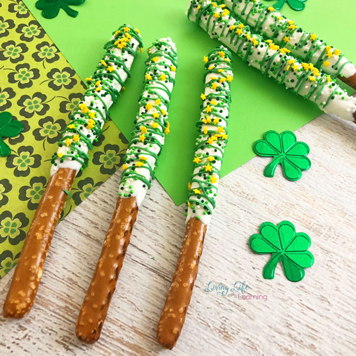 St. Patrick's day pretzel rods recipe