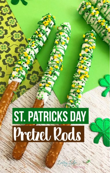 A fun St. Patrick's Day pretzel rods. It is super easy and fun to make these delicious dipped pretzel rods! A perfect treat for this lucky holiday.