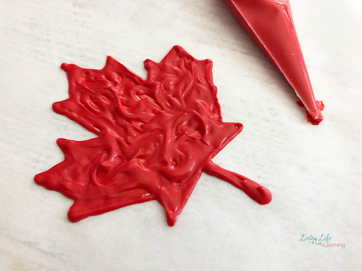 easy Canada cupcake decoration with icing