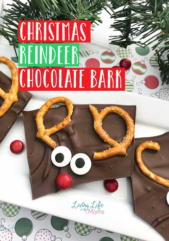 If you love reindeer, you won't want to miss out on this Christmas Chocolate Reindeer Bark! With only 4 ingredients, holiday baking can't get more simple! #baking #reindeer #Christmas #holiday