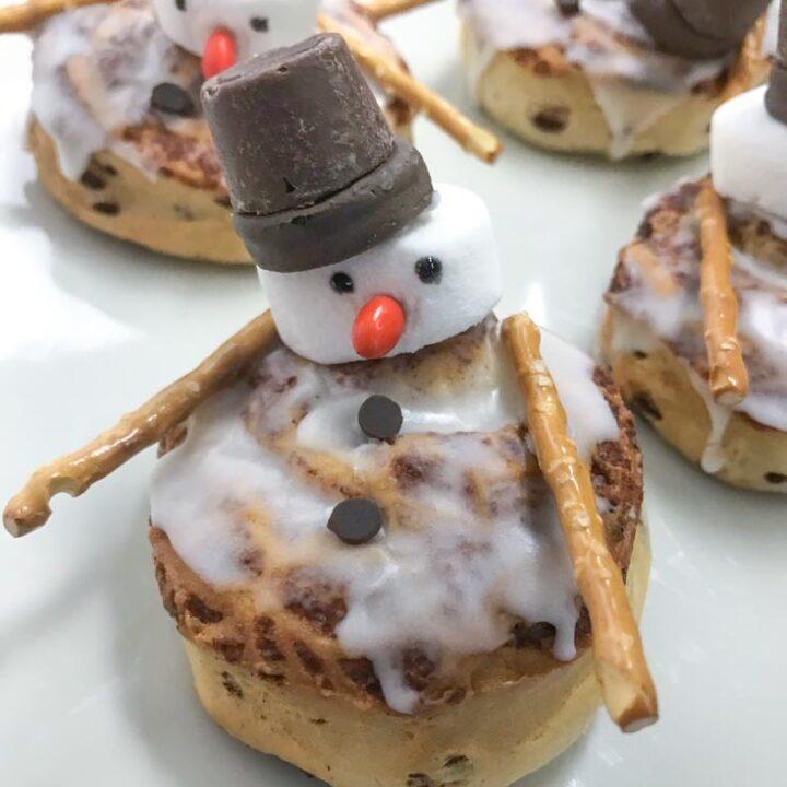 Snowman Cinnamon Bun