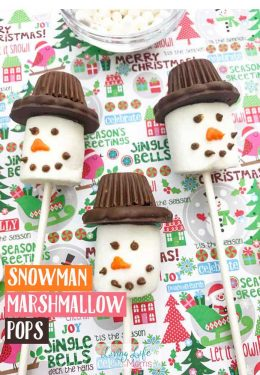 These Snowman Marshmallow pops are perfect for any age of bakers! Tasty winter desserts that are simple to make! Whip up a batch or two with ease and enjoying cooking together as a family! #snowman #marshmallowpops #desserts #wintertreats