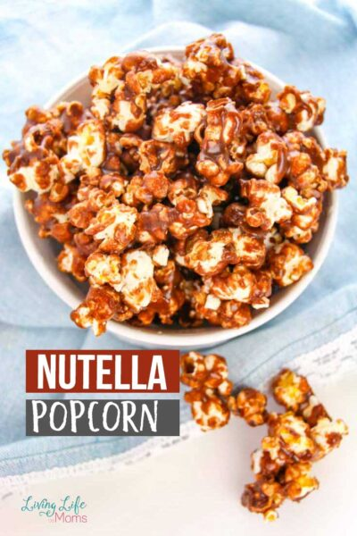 This Nutella Popcorn is so simple and delicious! But get ready...you won't be able to stop after just one bite. Everyone loves the taste of caramel and Nutella so this is certain to be a true treat! #nutella #popcorn #dessert