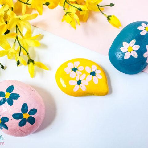 flower painted rocks craft